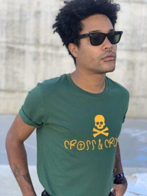 camiseta logo amarillo